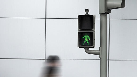 green-walk-sign